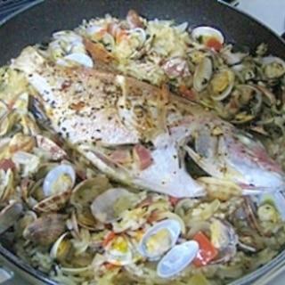 お魚まるごとパエリア