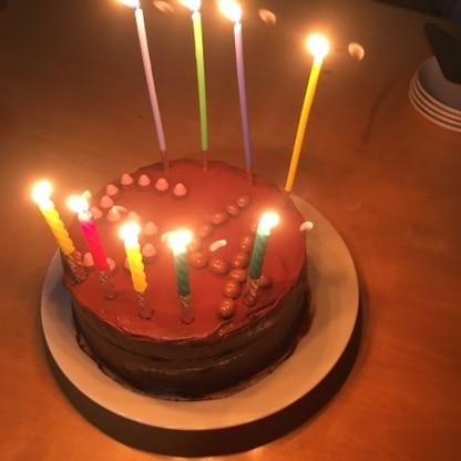 誕生日ケーキで試作。好評だったので、バレンタインは四角い型で作ってみます❣️