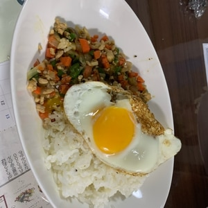 【ごはん】野菜がたっぷり 節約ガパオライス