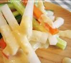とっても簡単♪みそマヨディップの野菜スティック