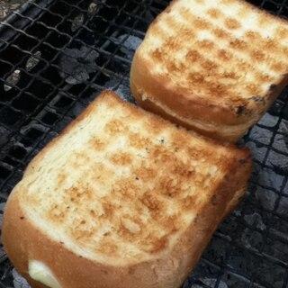BBQでトースト