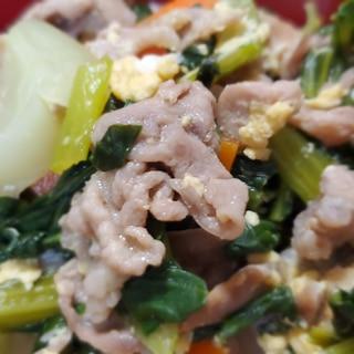 小松菜とチンゲン菜と卵の豚肉オイスター炒め
