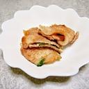 簡単熱々チーズ★梅肉と大葉とチーズの豚挟み焼き