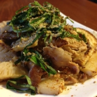 ゴマが香る豚肉とタケノコ炒め