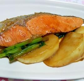 鮭とかぶのガリバタ醤油炒め
