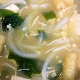【味噌汁】玉ねぎ・えのき・わかめ・豆腐・油揚げ