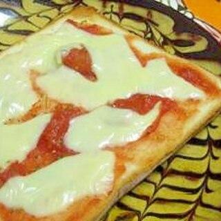 マルゲリータ風のトマトチーズトースト