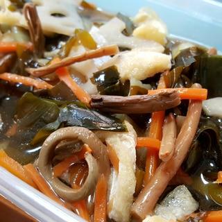 水煮で簡単!山菜とわかめの煮物
