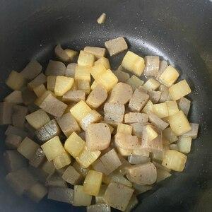 肉なしで大根大量消費!大根とこんにゃくの醤油炒め♪