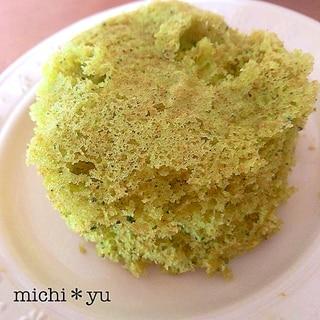 レンジで簡単♪ 米粉でふわふわ1人分の緑茶蒸しパン