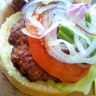 紫玉ねぎ&アボカドのハンバーガー