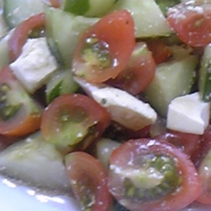 ご近所のおばあちゃんにミニトマトいただいて(上手に作っててまだ収穫できるんですよ) たくさん作って・・完食でした♪ 美味しかったぁ~~~おごちそうさま^m^