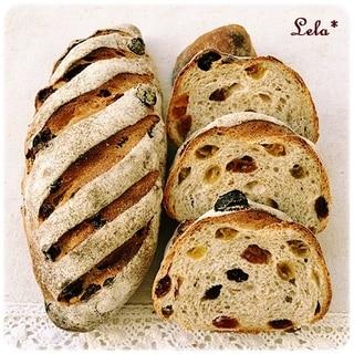 グリーンレーズンとアプリコットのライ麦パン