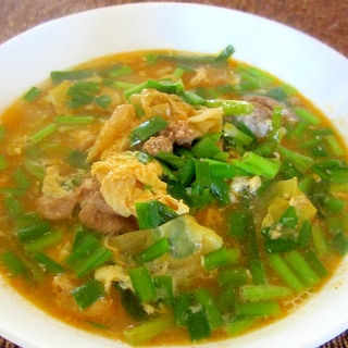豚、ニラ、キャベツの梅干サンラースープ