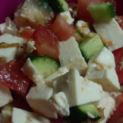 クリチ残少しで、豆腐でかさまし!柚子胡椒×クリチが絶妙ですね!次はクリチ買ってきてたっぷり入れて作りますね!ごちそうさまでした(*^^*)
