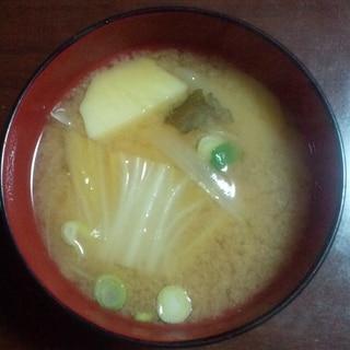 白菜と玉ねぎのお味噌汁