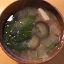 ナスと青梗菜の味噌汁