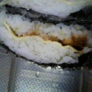 簡単★おにぎらず 長方形海苔 チーズおかか