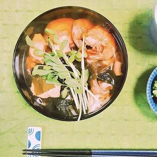 【糖質制限】糖質0麺♡海老と鶏肉の具沢山お蕎麦