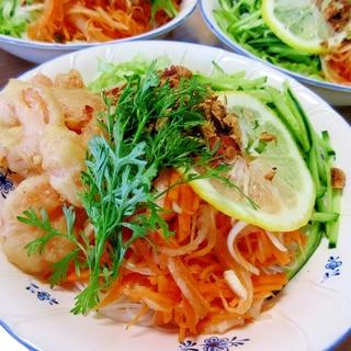 フライドシュリンプ入りベトナム冷麺