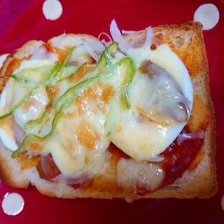 ツナと卵のピザトースト