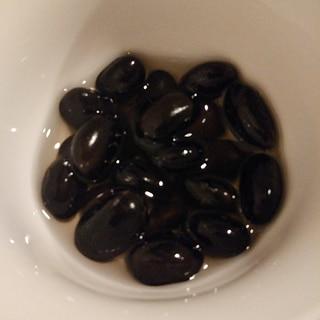 蒸し黒豆のやさしいお酢漬け