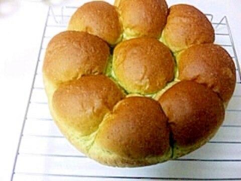 ☆HBで生地作り☆ほうれん草ミルクちぎりパン♪