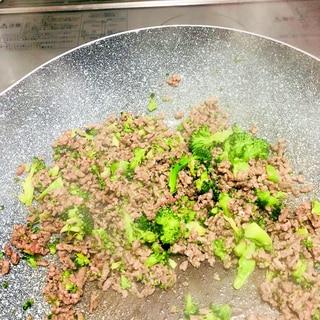 ひき肉と合いびき肉炒め