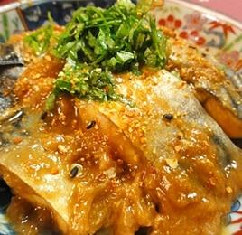 フライパンで鯖の梅味噌煮