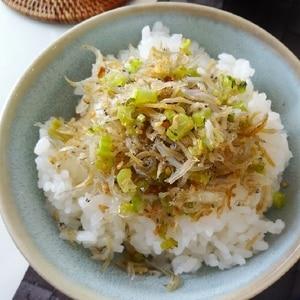 冬場の常備菜☆大根の葉のじゃこ炒め