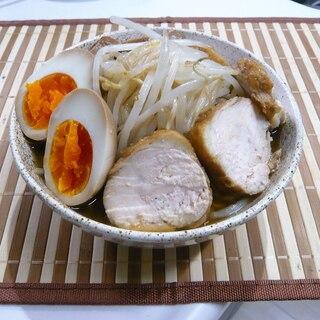 みため二郎(野菜たっぷりニンニクしょうゆラーメン)