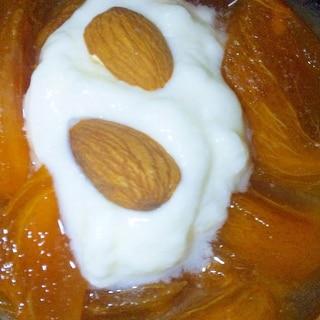 簡単美味!柿ヨーグルトアーモンド