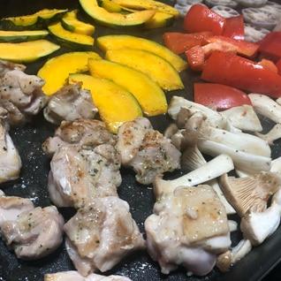 ホットプレートで*焼き野菜とチキンソテー
