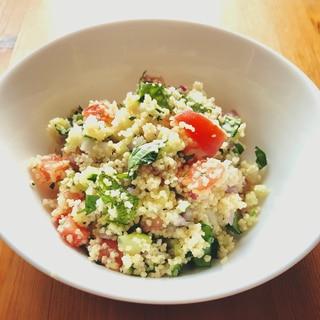 野菜たっぷり!クスクスのサラダ