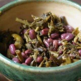 タラの芽と小豆の煮物