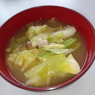 春キャベツの塩麹味噌汁