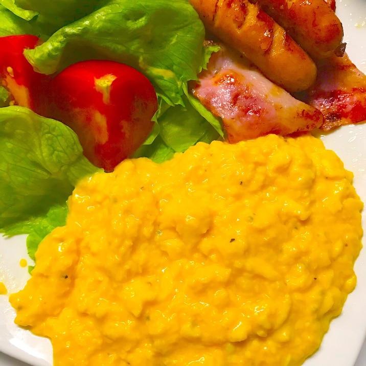 ホテル スクランブル エッグ 【世界一の朝食】かき混ぜない「スクランブルエッグ」の作り方