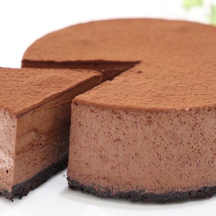 材料4つでオレオ生チョコムースケーキ
