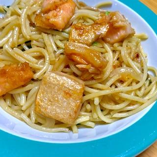 バター醤油香る✨鮭の和風パスタ
