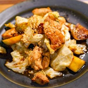 美味しく簡単♪夏野菜と鶏胸肉で回鍋肉風野菜炒め!
