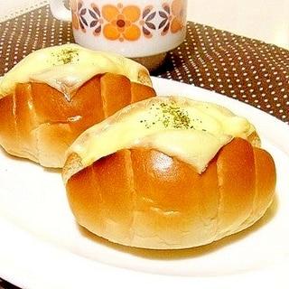 コーンマヨチーズロールパン