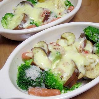 茄子・ブロッコリー・ウインナーのチーズ焼き