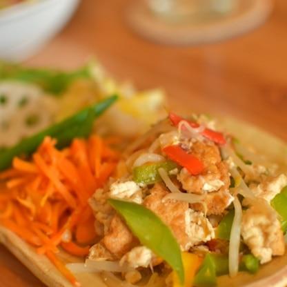 豚肉なし&豆腐→厚揚げで、彩りにパプリカをプラス。シンプルだけど出汁がきいてて美味しいですね♪