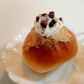 チョコチップとピーナツクリームのクリームパン