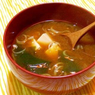 豆腐とわかめと茗荷のお味噌汁