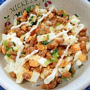 納豆の食べ方-ゆでたまご&マヨ七味♪
