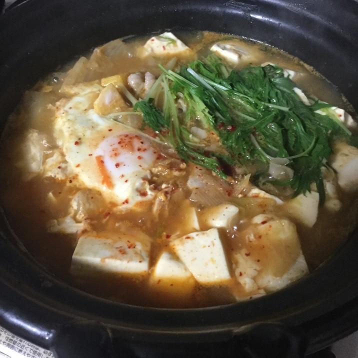 キムチ鍋の素で簡単豆腐チゲ鍋風