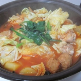 トマトジュースで作る!簡単トマト鍋☆