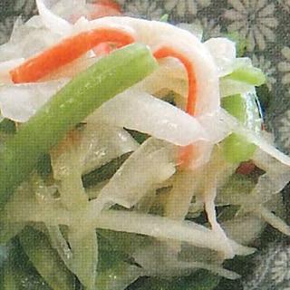みずと新玉葱のエスニックサラダ