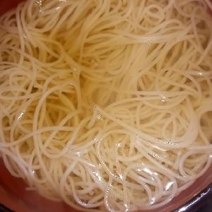 白だしで!温かい素麺